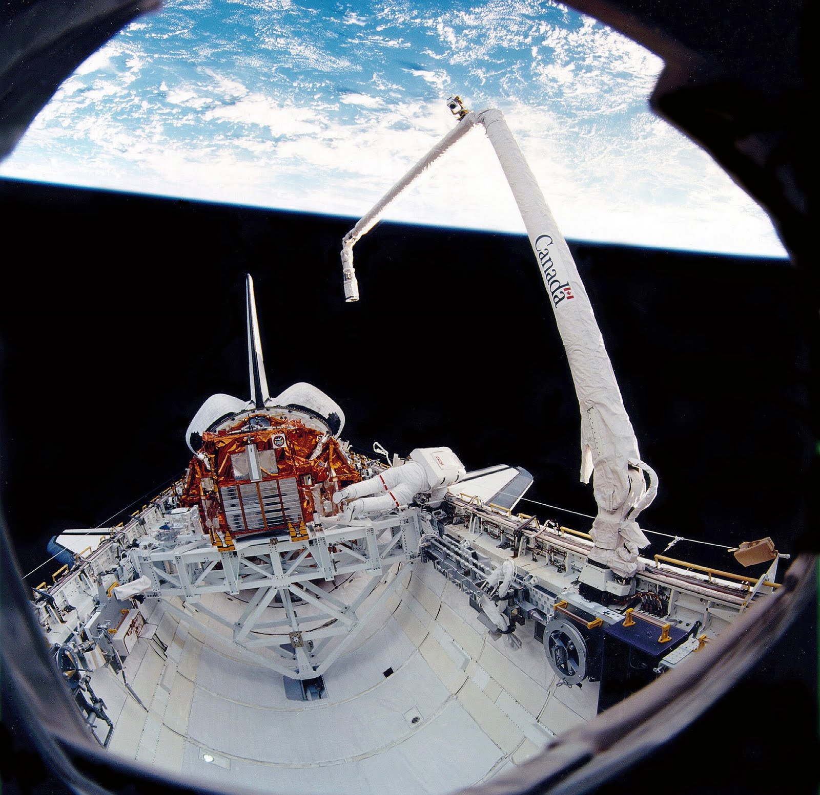 Canadarm+space