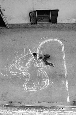 chalk drawings optical illusions