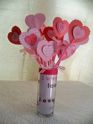 valentines table decorations. a table decoration that