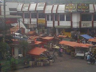 "Pasar tradisional "" Pasar  lawang """