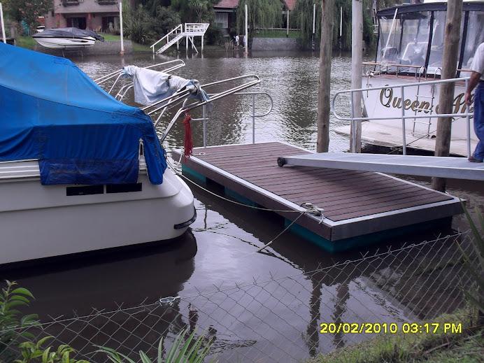 Marina flotante