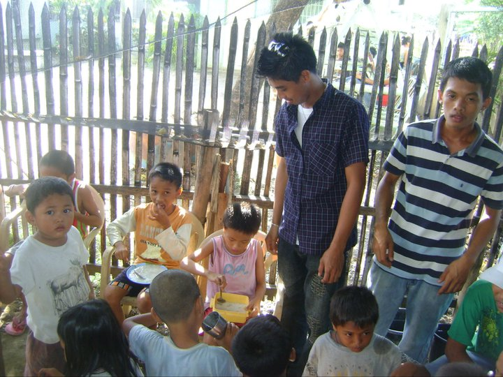 Feeding Program sponsored by YUS Clan and Circle of clans