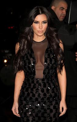 Kardashian Boob on Gallery Main Kim Kardashian Middle Boob 06 Jpg