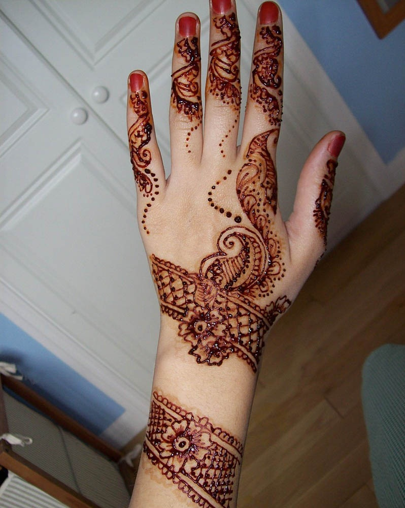 Pakistani bridal mehndi designs for hands - photo#17