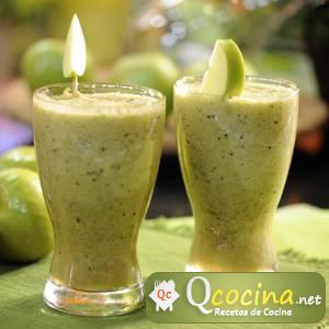 Jugo de Kiwi, manzana y menta verde