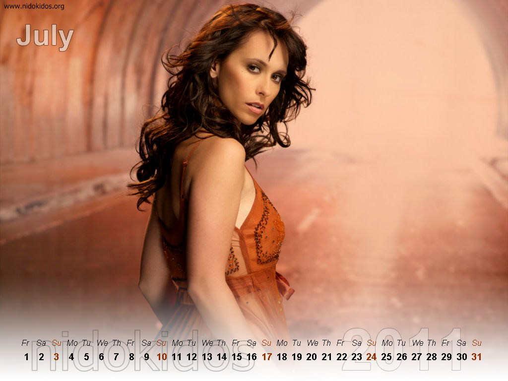 http://2.bp.blogspot.com/_urZCQQZj50Y/TRliO_hJqHI/AAAAAAAAAIQ/ngElhkeseMU/s1600/Jennifer+Love+Hewitt+Exclusive+Calendar+2011+%25287%2529.jpg