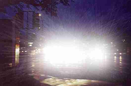 Roadethic: Flashing Headlights to Signal Other Cars