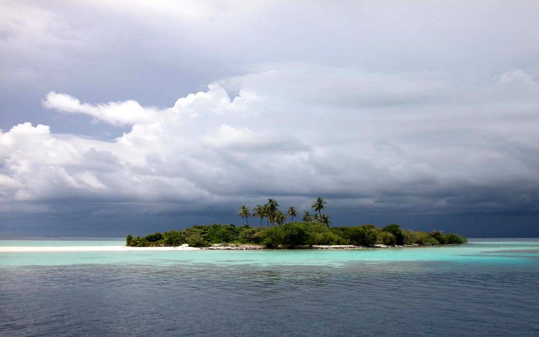 http://2.bp.blogspot.com/_ut25ND6ePIc/TIIYSucjIYI/AAAAAAAABLk/Tu7afwHUVyE/s1600/ocean-wallpaper-002.jpg