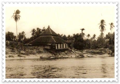 Lokasi asal Masjid Kg Laut di pinggir sungai Kelantan, Kg Laut