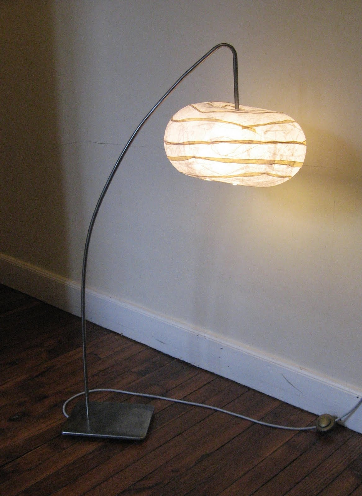 lampadaire fer bross. Black Bedroom Furniture Sets. Home Design Ideas