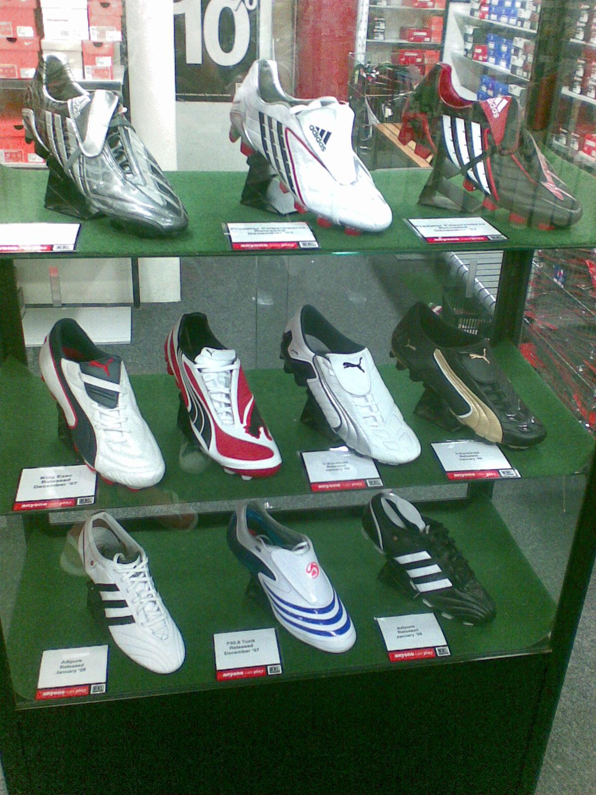 обувь казаки женские