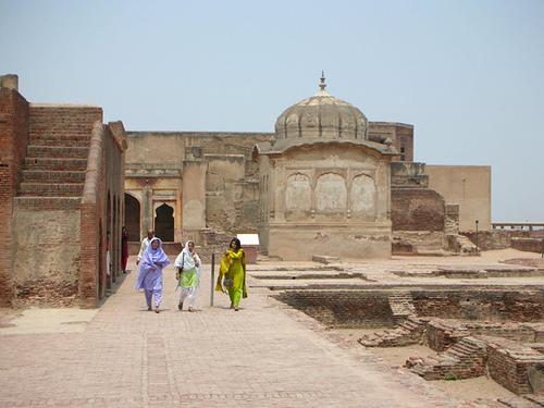 Shahi Qila History