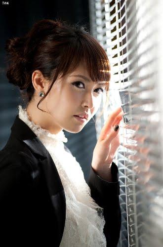 http://2.bp.blogspot.com/_uxK9p1iezm4/TCqu3GitSlI/AAAAAAAAFUA/0V9_C73Kowo/s1600/Kang-Yoo-Lee-galleries-6.jpg