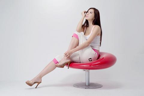 http://2.bp.blogspot.com/_uxK9p1iezm4/TFQyGfUuDYI/AAAAAAAAF4c/L1af6s-X4nk/s1600/Choi-Yu-Jung-pictures-gallery-6.jpg