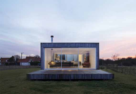 airstream house minimalist house design by tank architectes - Minimalistic House Design