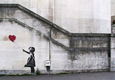 murales bambina cuore palloncino