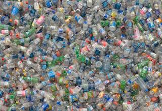 bottled-water.jpg (400×273)