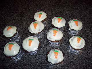 Eat Drink Pretty Carrot Cake Cupcakes