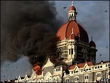 मुंबई येथे झालेल्या दहशतवादी हल्ल्याचे छायाचित्रे !!!!!!!!