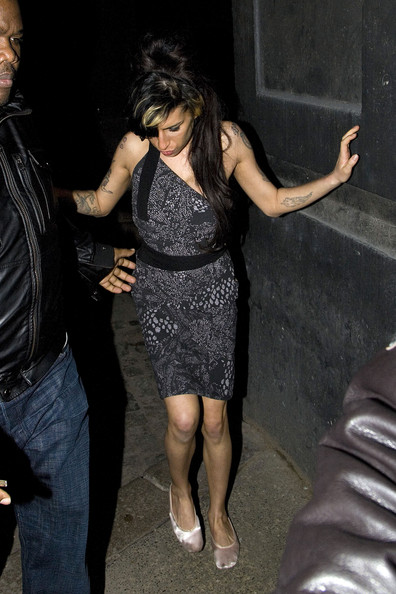 Amy Winehouse se opera el pecho ante su reaparicin