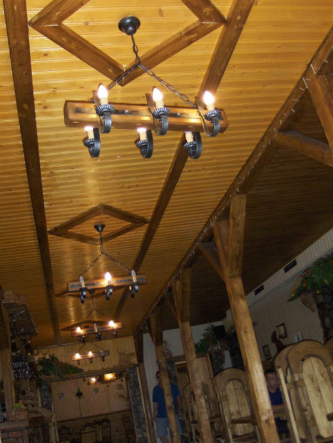 Carpathy, Western Ukraine: Wooden interior of restaurant