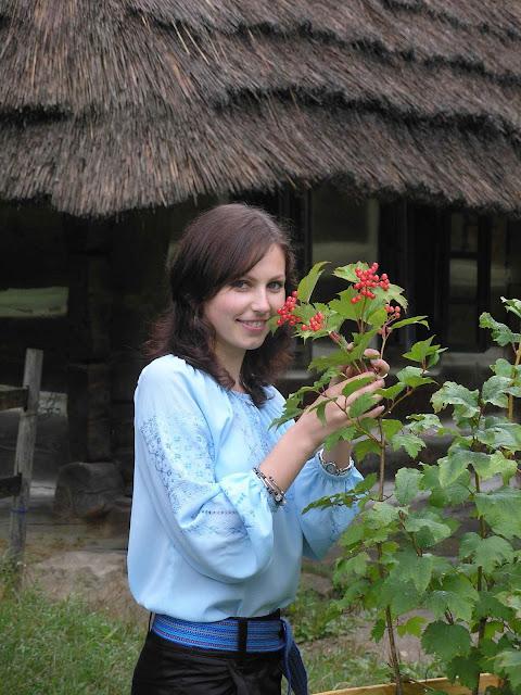 Girl like Guelder Rose, Ukrainians says