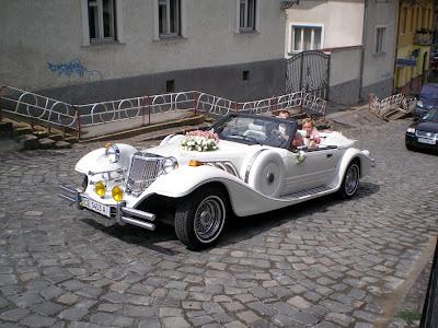 Newlyweds Classic Car Ivano Frankivsk Western Ukraine