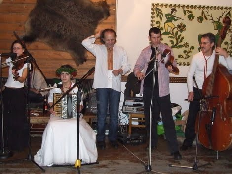 Бурдон грає на весіллі Оксани Гринько