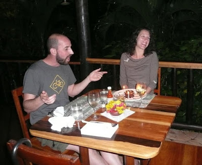 Newlyweds On Their Honeymoon In Belize They Met Each Other Online