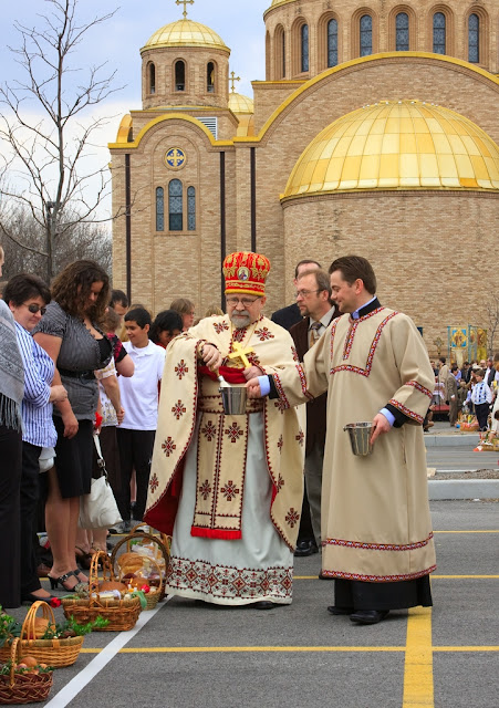 Blessing Easter Baskets Ukrainian Church Chicago