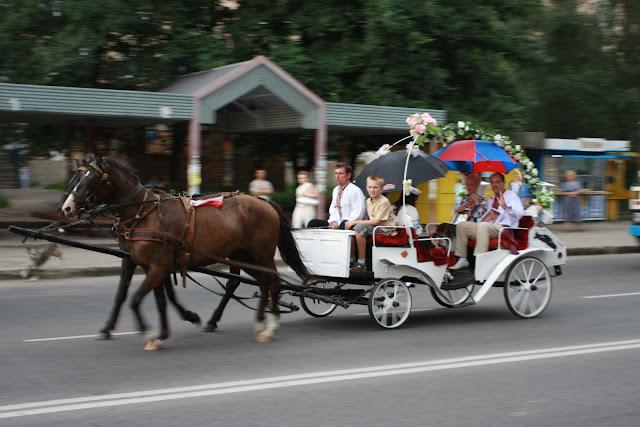 Карета для наречених на українсько-американському весіллі
