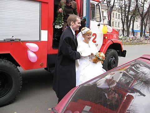 Молода на пожежній машині Вінниця Україна