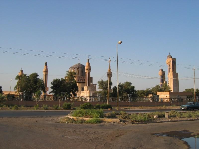 Umm%2Bal Maarik%2BMosque%2B3%2B0703 Masjid Saddam di Iraq