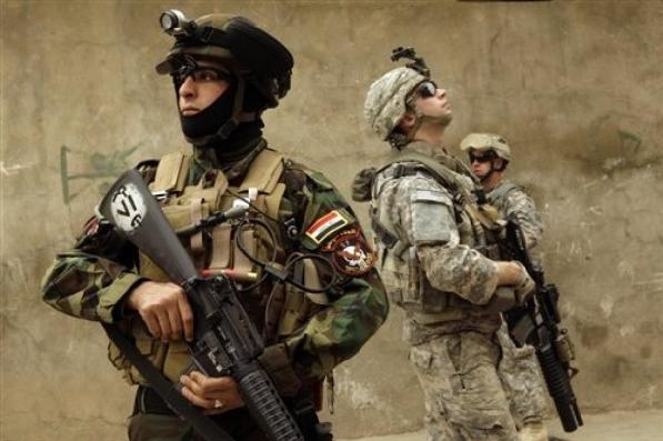 iraqi army soldier and us army soldiers from delta
