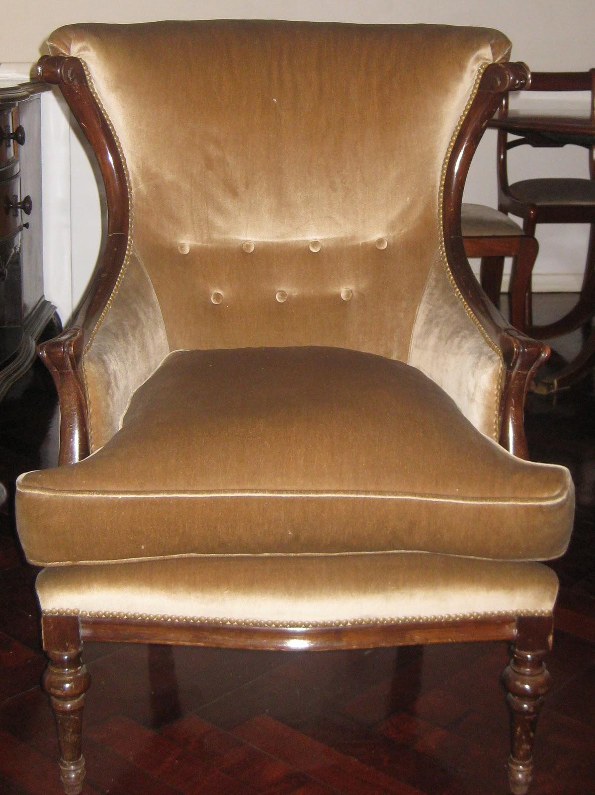 Venta de muebles sillones individuales con mesa ratona for Sillones individuales
