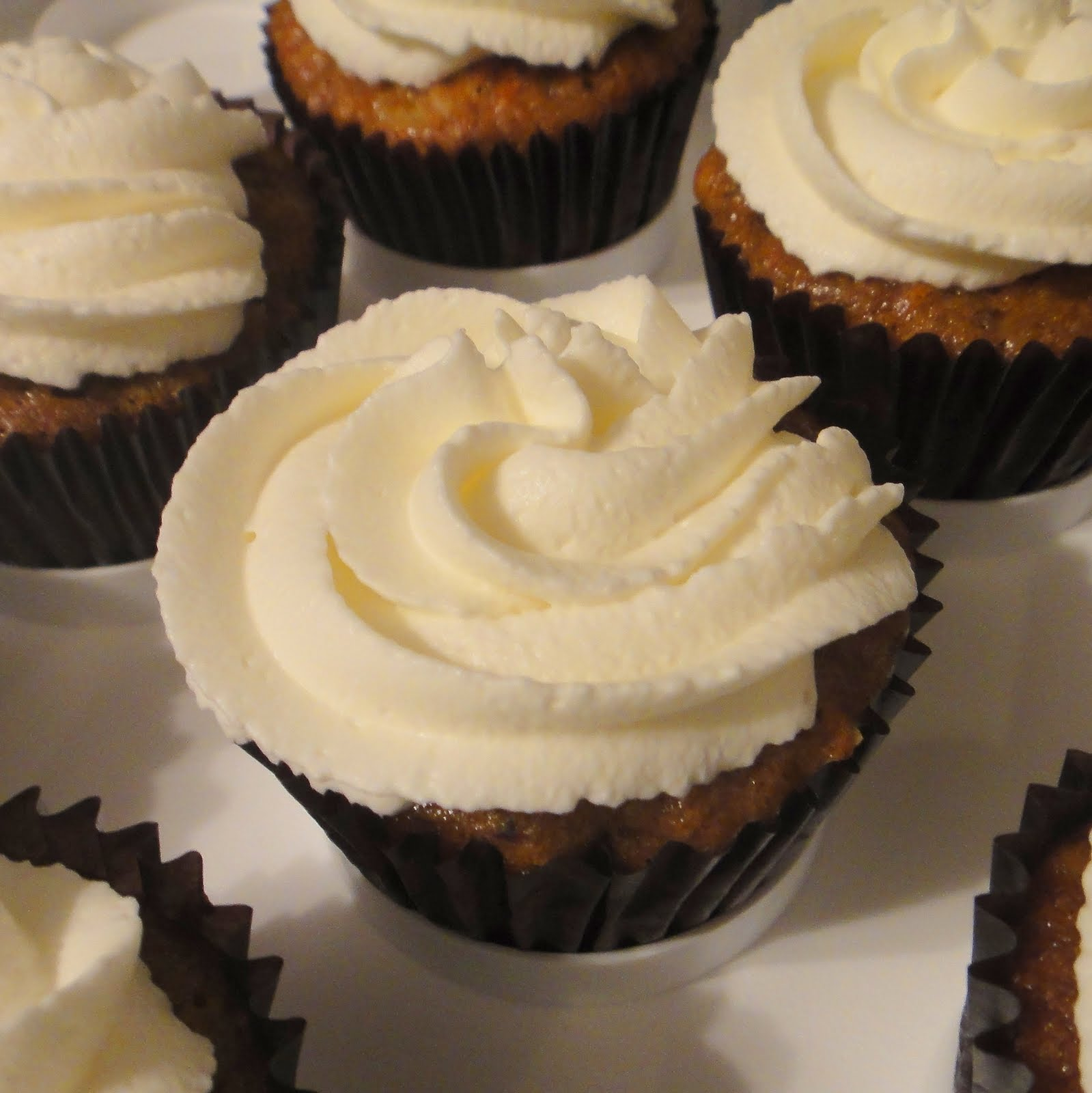 Cook Yu Cook Mi: Whipped Cream Cream Cheese Frosting