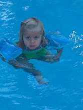 Sienna's first time in floaties