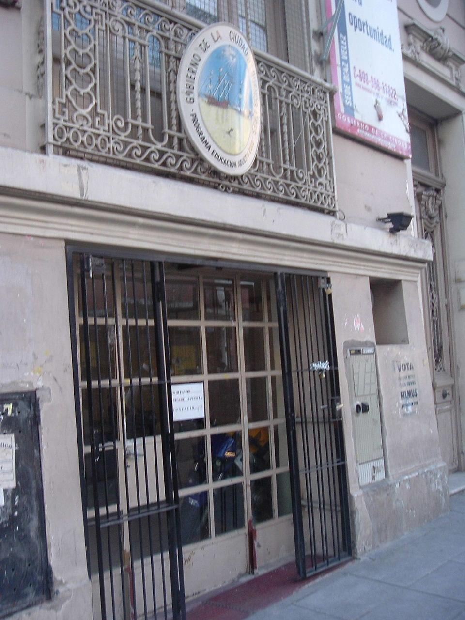Sede central del programa Adultos 2000 Clausurada.