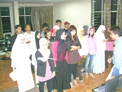 ST-INTEN Student Choir rehearsal