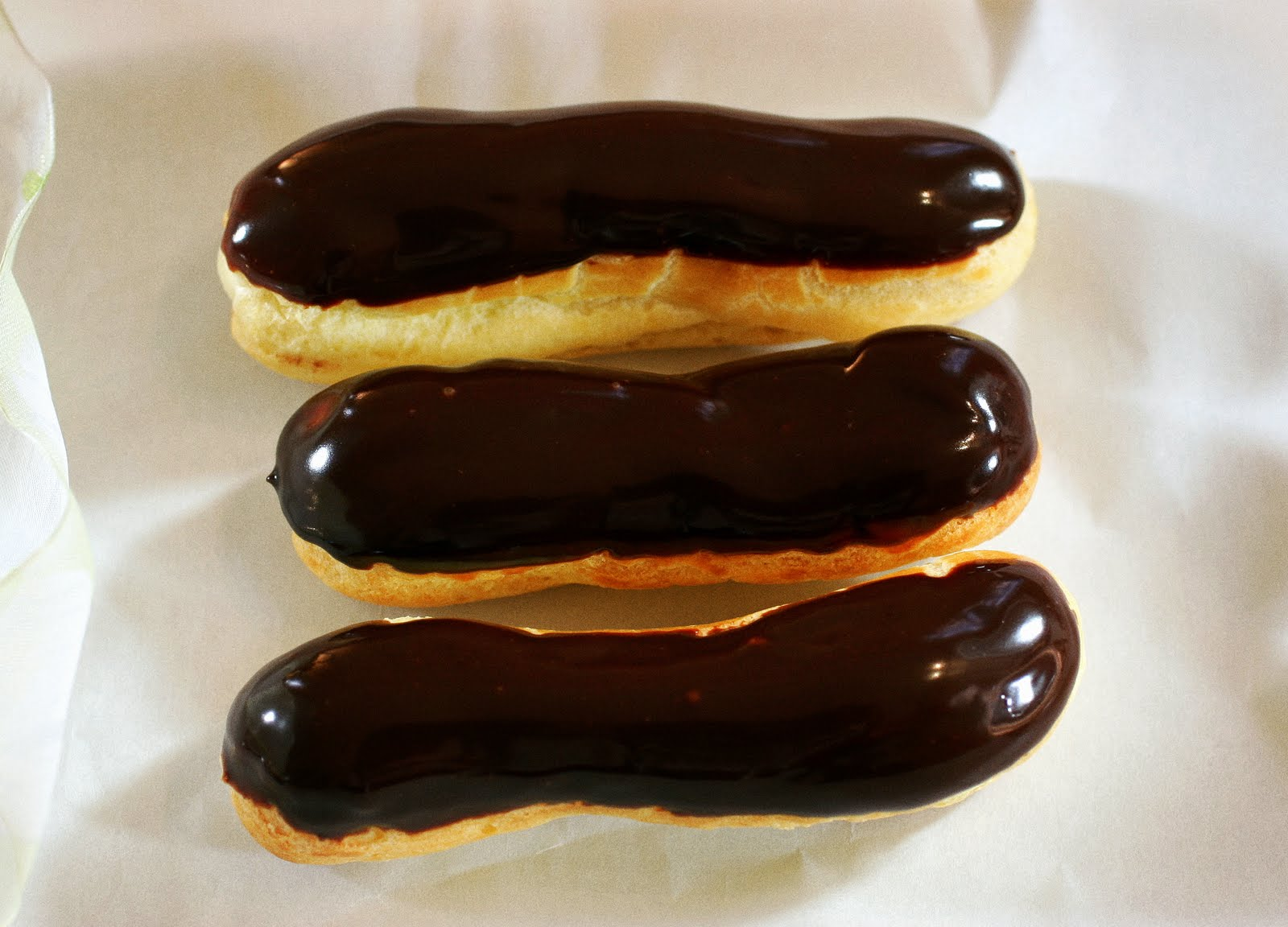 Tish Boyle Sweet Dreams: Chocolate Glazed Vanilla Eclairs