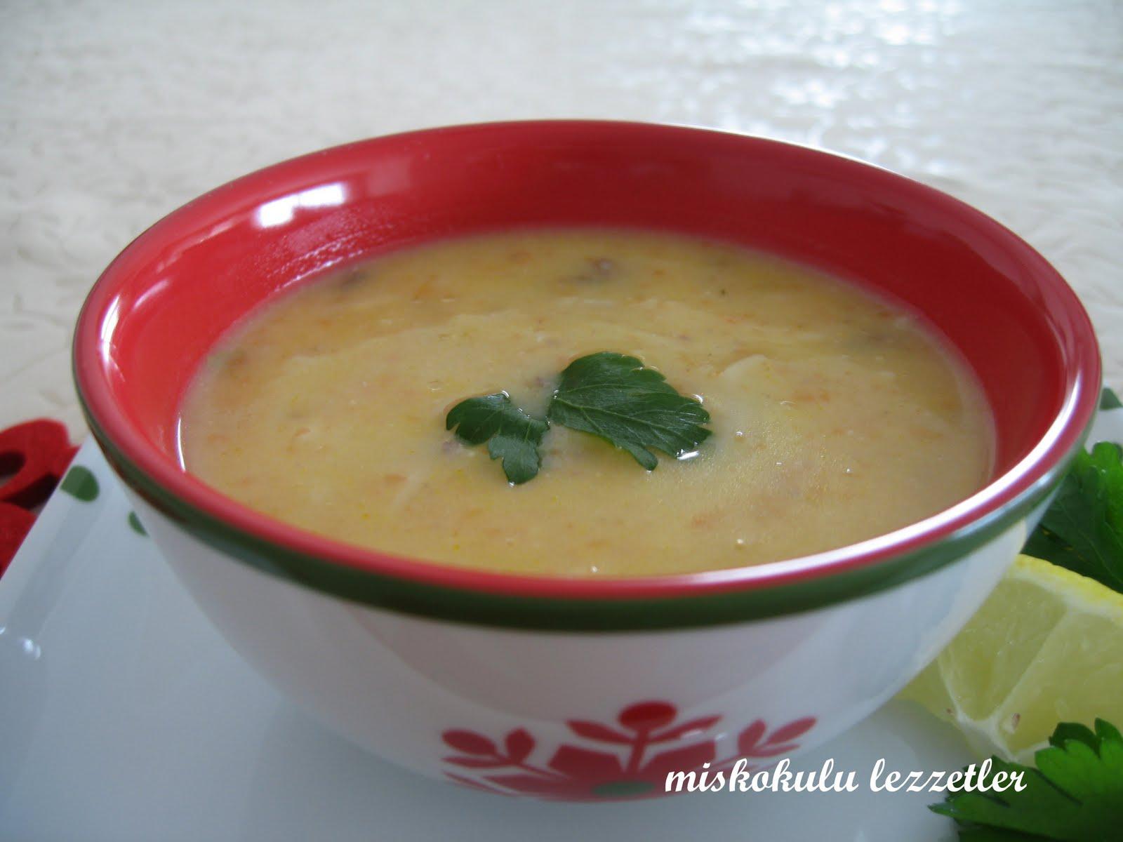 Bademli Şehriyeli Tavuk Çorbası Tarifi