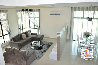living room and dining area dibahagikan dgn partition