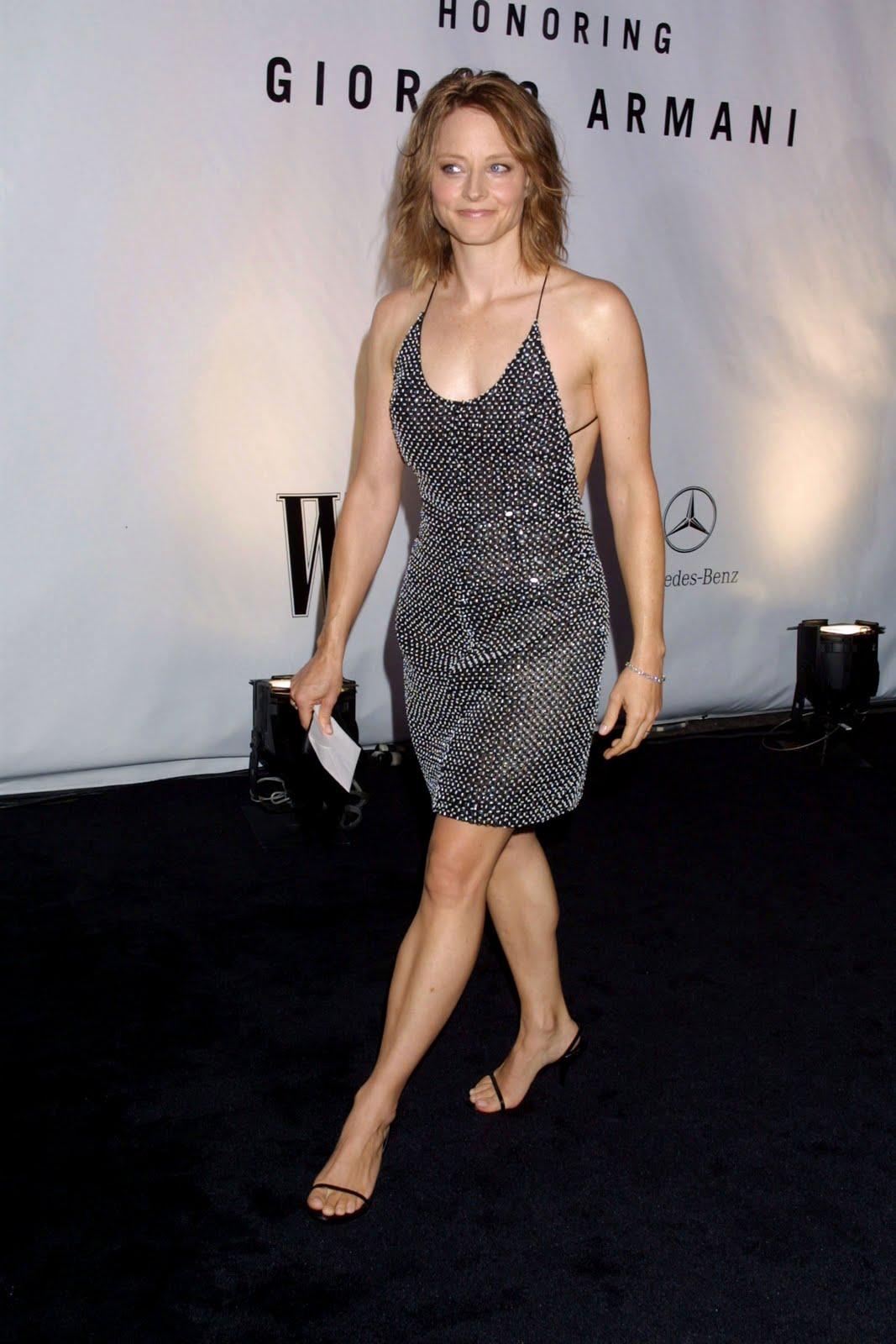 http://2.bp.blogspot.com/_vBAIG6nJkGY/TJu2NsteckI/AAAAAAAAD4o/XSM7rqFWPfc/s1600/Jodie-Foster-Feet-30386.jpg