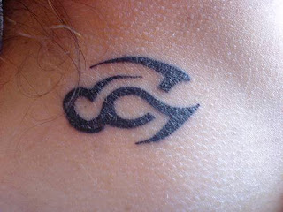 tatuagem-tribal-na-nuca-pescoço