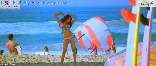 bipasha basu in bikini in dhoom 2