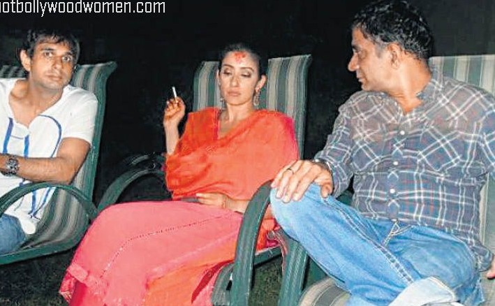 [Image: manisha+koirala+smoking+picture.jpg]