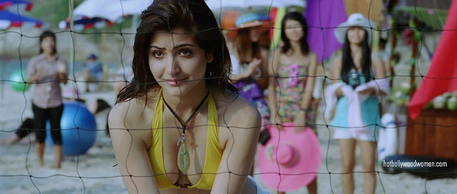 anushka sharma hot scene in badmaash company. anushka sharma hot scene in