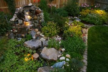 Using Landscaping Stones in Garden Decorating