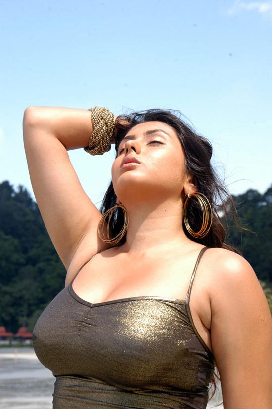 Namitha Hot Song - Ammammamo - Neelkantha Movie - YouTube