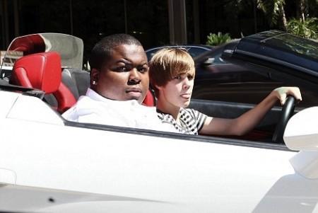 justin bieber driving lamborghini. Justin Bieber driving the